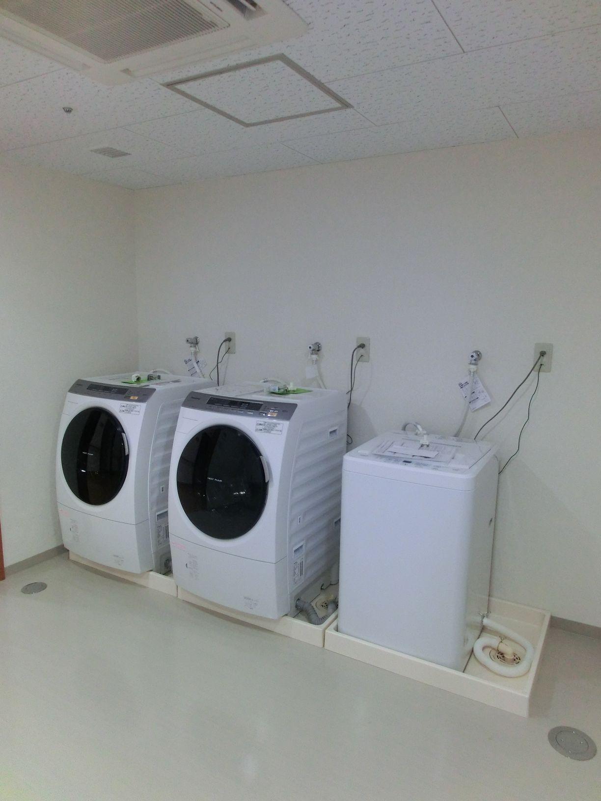 共用の洗濯室です。