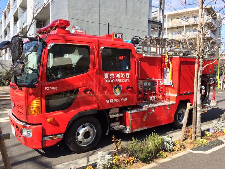 消防車も来てます